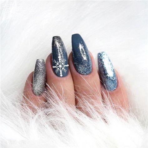 36+ Deep Blue Nail Art Design for Winter Season; winter nails; winter acrylic nails; Christmas nails; winter nail colors; winter snowflake; classy winter nails. #bluenails