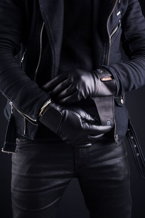 https://i.pinimg.com/474x/2f/67/a0/2f67a07e4aaa67a99b65e19418dc8c7b--black-leather-gloves-leather-bags.jpg