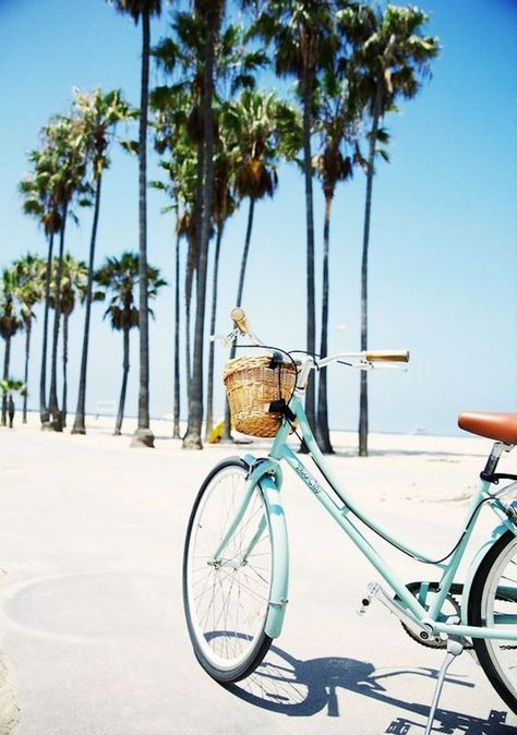 Venice Beach Diary Can't wait for summer too start and the bike rides to begin! Beach Day, Summer Beach, Summer Vibes, Summer Fun, Style Summer, Summer Nights, The Beach, Enjoy Summer, Weekend Style