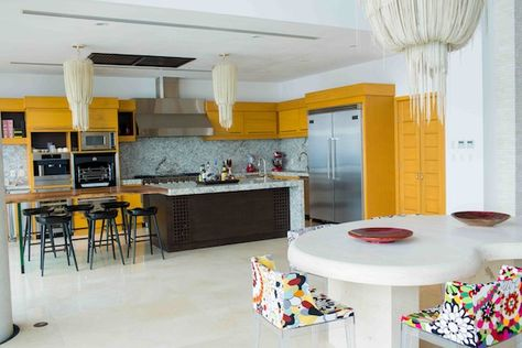 A variety of wood tones warms up this otherwise cold space of marble and stone #CousinsOnCall