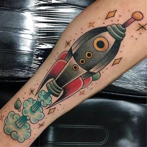 As tatuagens mais legais com temas cósmicos