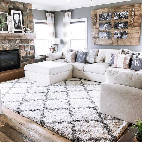 Comfortable Living Rooms, Cozy Living Rooms, Home Living Room, Living Room Designs, Apartment Living, Cozy Apartment, Living Room With Rug, Country Living Rooms, Comfortable Couch