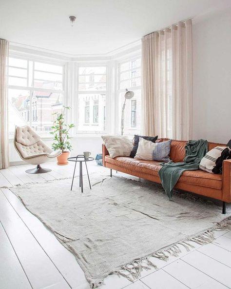 BINNENKIJKEN • eigenlijk was Alexander helemaal niet van plan zijn appartement te verbouwen. 'Ik dacht: ik verf wat, zet de meubels erin, en dan is het wel klaar.' Pakte dat even anders uit. Meer op vtwonen.nl/binnenkijken
