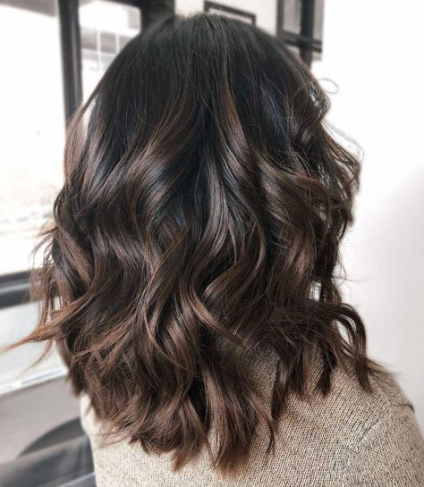 Shiny Chocolate Balayage Hair highlights 60 Chocolate Brown Hair Color Ideas for Brunettes Ombre Hair Color, Hair Color Balayage, Balayage Ombre, Balayage Dark Brown Hair, Highlights Dark Brown Hair, Dark Brunette Balayage Hair, Dark Hair Lowlights, Hair Color Brown, Brunette Hair Colors