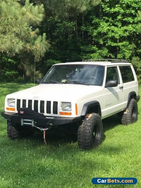 Looking For A 4x4 Jeep Cherokee Xj For Sale Let Me Know What You Got Price Point Is Around 3500 Perfer Lifted Bu