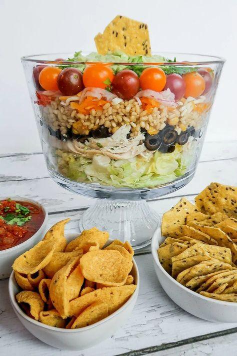 Easy Chicken Rice Layered Salad #chickensalad #chickenricelayeredsalad #chickenricesalad #layeredsalad