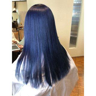 Takumi Kawahoriさんのスナップ モード ブルー セミロング ブルーアッシュ 暗髪ブルージュ ネイビーブルー ヘアスタイル ロング ヘアスタイリング ブルーアッシュ