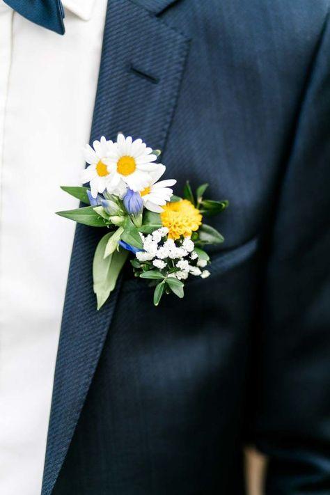 Una # Flor de tobillo con margaritas y gypsophila para el # Novio es