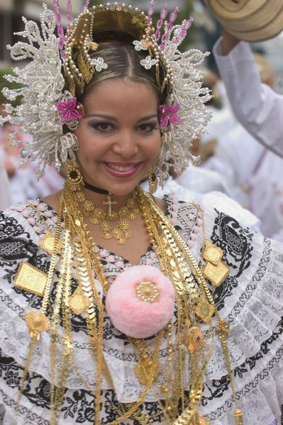 Portrait of woman in national dress at La Pollera Parade, Panama. By Alfredo Maiquez.