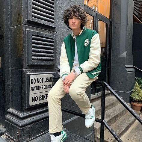 Behind The Scenes By cvshed Style Garçonne, Boyish Style, Indie Outfits, Trendy Outfits, Cool Outfits, Mode Streetwear, Streetwear Fashion, Varsity Jacket Outfit, Teenager Mode