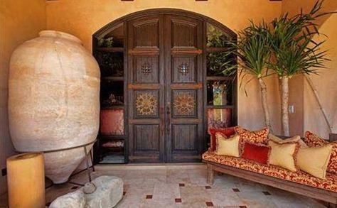 santa fe entrance from luxuryportfolio.com