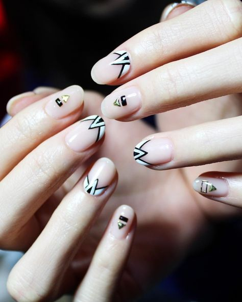 40 Nail art pictures: Simple nails for new trends !