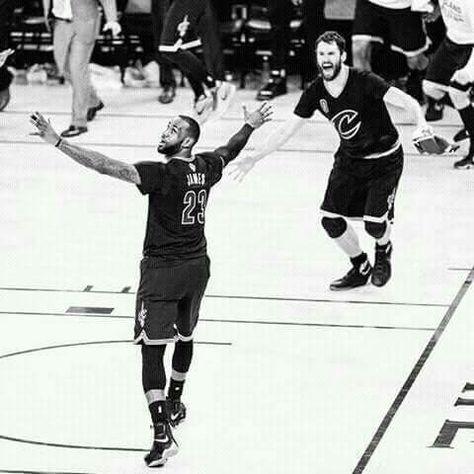 LeBron James With Kevin Love ... Last Seconds Of Game 7 ... a8b7f1dd3