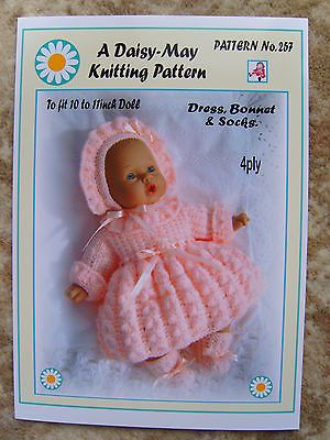 Annabell type doll No.256 by Val Young. DOLLS KNITTING PATTERN for 18-20 inch