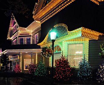 How To Put Christmas Lights On Tall Outdoor Trees Davey Blog Christmas Light Installation Holiday Lights Outdoor Christmas Lights