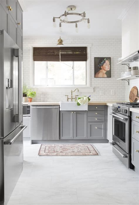 Gray U Shaped Kitchen Mirrored Kitchen Cabinet Kitchen Layout Grey Kitchen Cabinets