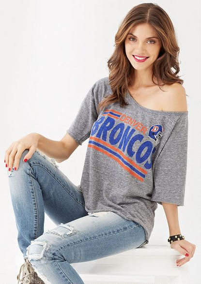 Support the Denver Broncos in style this Sunday with these orange and blue outfit ideas that are perfect for the Super Bowl.