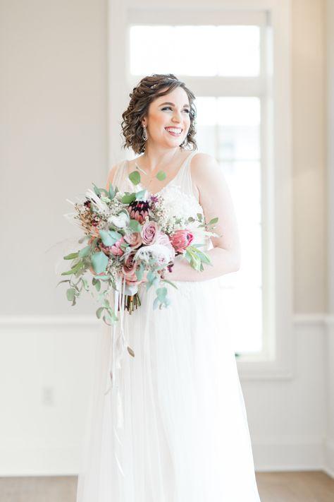 94 Best Bridal Bouquets Images Wedding Flowers Wedding Flower