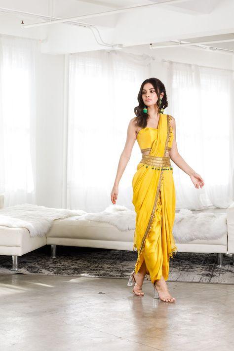 Designer Party Wear Dresses, Kurti Designs Party Wear, Lehenga Designs, Indian Designer Outfits, Indian Attire, Indian Ethnic Wear, Indian Outfits, Saree Wearing Styles, Saree Styles