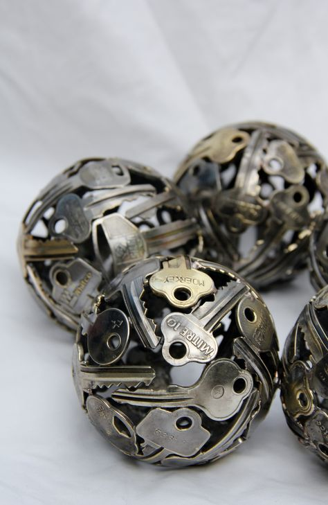 key balls, wicked centrepiece