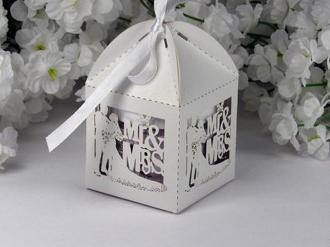 Bridal Shower Favors or Wedding Reception Favors - Mr. and Mrs.