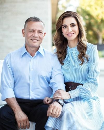 Ahlan Wa Sahlan Here Is Your Daily Dose Of The Jordanian Royal Family And The Beautiful Country Located In The H Queen Rania Jordan Royal Family Royal Fashion