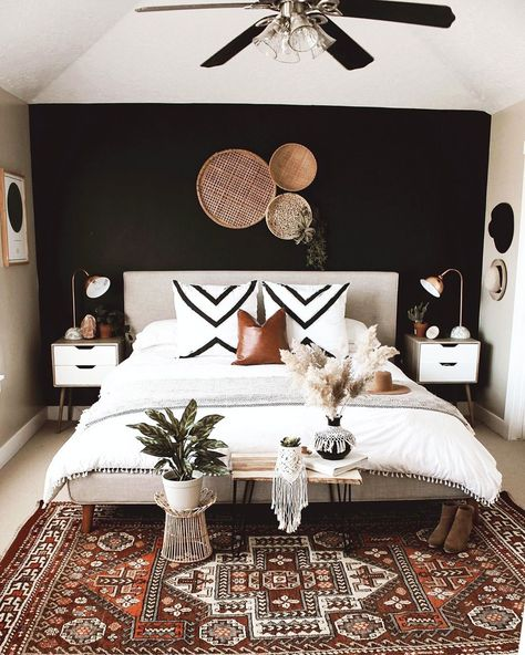 Home Decor Bedroom, Bedroom Inspirations, Home Bedroom, Bedroom Interior, Bedroom Wall, Master Bedrooms Decor, Black Walls Bedroom, Home Decor, Remodel Bedroom