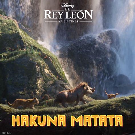 """Activa el sonido y canta con Simba, Timón y Pumba """"Hakuna Matata"""". No te pierdas 'El Rey León' en cines."""