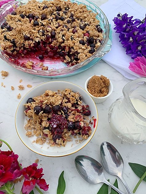 Delicious saskatoon berry crisp in breakfast casserole form. You can use blueberries instead if you don't have saskatoon. #sasaktoonberry #blueberry #breakfast #crisp