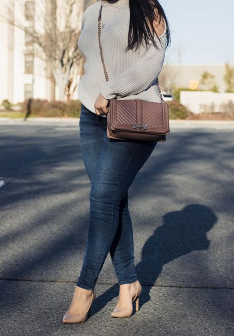 How to find your Style - 7 Tips that will help you find and define your personal style. Along with a new outfit post.