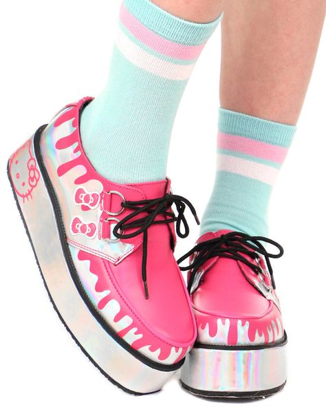 f4bd9f9dc496 HELLO KITTY HOLOGRAM CREEPERS
