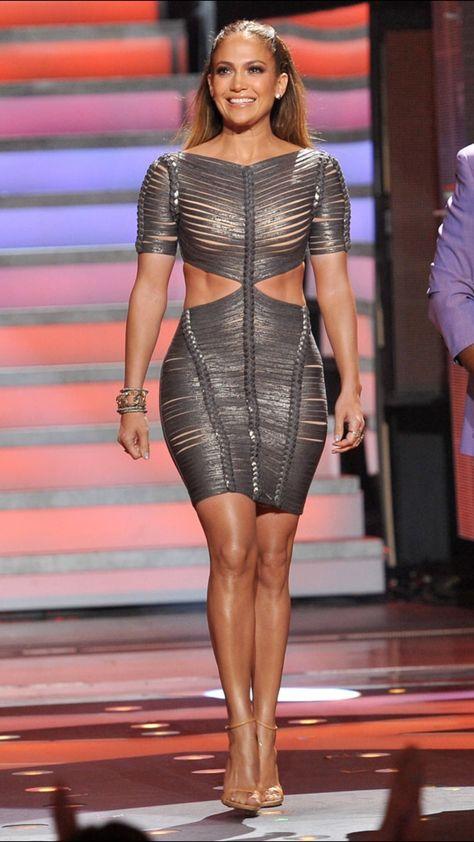 Jennifer Lopez Wears Her Sexiest Dress Yet on American Idol!