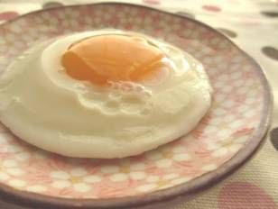 Fried Egg For One Made In A Microwave With No Oil Recipe By Cookpad Japan Recipe In 2020 Fried Egg Microwave Recipes Microwave Cooking