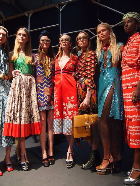 【レポート】「グッチ」2016年春夏ミラノ 衝撃から熱狂へ。ファッション界の次なるリーダー、アレッサンドロ・ミケーレ | 2016 SS MILAN COLLECTION | GUCCI | COLLECTION | WWD JAPAN.COM