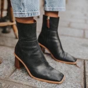 West Black Vintage