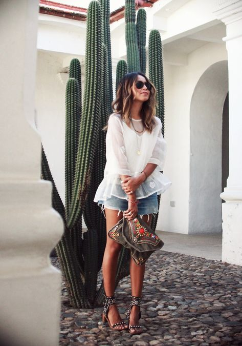 What I'd Wear : The Outfit Database (source : Sincerely Jules )