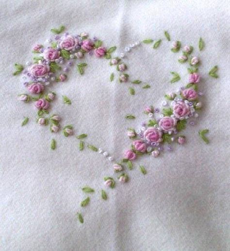 Brazilian Embroidery Patterns Basics to Learn Embroidery Designs with Free Hand Stitch Indian Learn Embroidery, Silk Ribbon Embroidery, Hand Embroidery Designs, Vintage Embroidery, Cross Stitch Embroidery, Embroidered Roses, Embroidery Hearts, Embroidered Pillowcases, Flower Embroidery