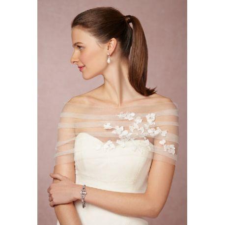 b5bb0d720704 stola per abito da sposa in tulle con pizzo aplicato