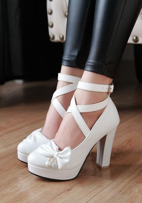 9869601a609 White Round Toe Chunky Bow Sweet High-Heeled Shoes