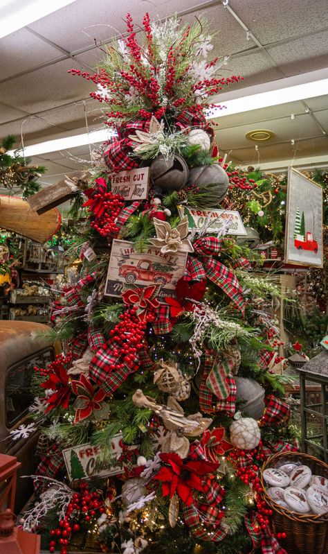 Step into our Christmas Wonderland located right here in Arlington. The largest Christmas Store in Texas is a spectacle in itself. Christmas Tree Design, Christmas Tree Inspiration, Ribbon On Christmas Tree, Beautiful Christmas Trees, Christmas Tree Themes, Christmas Mantels, Christmas Store, Christmas Tree Toppers, Rustic Christmas
