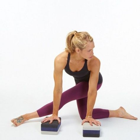 twisted lunge yoga pose for tight it bands and hamstrings