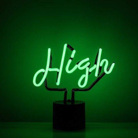 Neon Light Wallpaper, Neon Wallpaper, Aesthetic Iphone Wallpaper, Aesthetic Wallpapers, Green Aesthetic Tumblr, Dark Green Aesthetic, Aesthetic Colors, Green Led, Neon Green