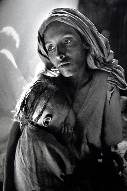 Sebastião Salgado, Ethiopia [mother and child], 1984 #vapeTricks