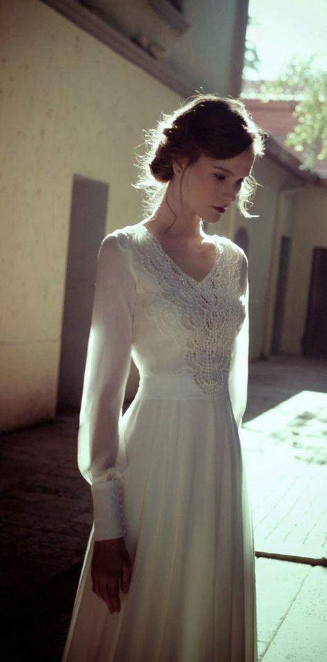Une robe de mariée à longues manches
