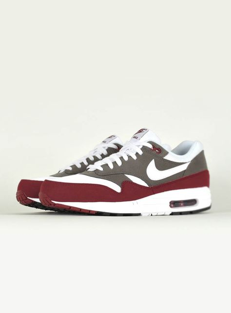 low priced 29d69 cecf7 Nike Air Max 1 Essential Red Brown.
