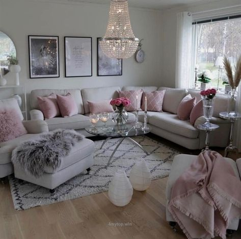 What a girlie and glam living room….