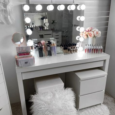 36 Meilleures Idees Sur Coiffeuse Ikea Idee Deco Chambre Idee Chambre Deco Chambre Coconing