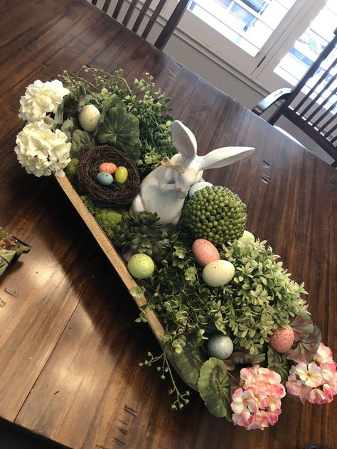 easter decorations 403283341635593873 - Decorating an Easter Dough Bowl – Wisdom Spot 101 Source by rochdec Easter Crafts, Holiday Crafts, Egg Crafts, Spring Crafts, Easter Table Decorations, Easter Centerpiece, Centerpiece Ideas, Bowl Centerpieces, Easter Flower Arrangements
