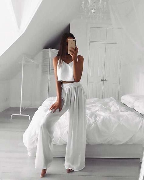 23 Stunning All-White Party Outfits: #23. FLOATY TROUSERS AND TOP; #allwhite; #party; #outfits