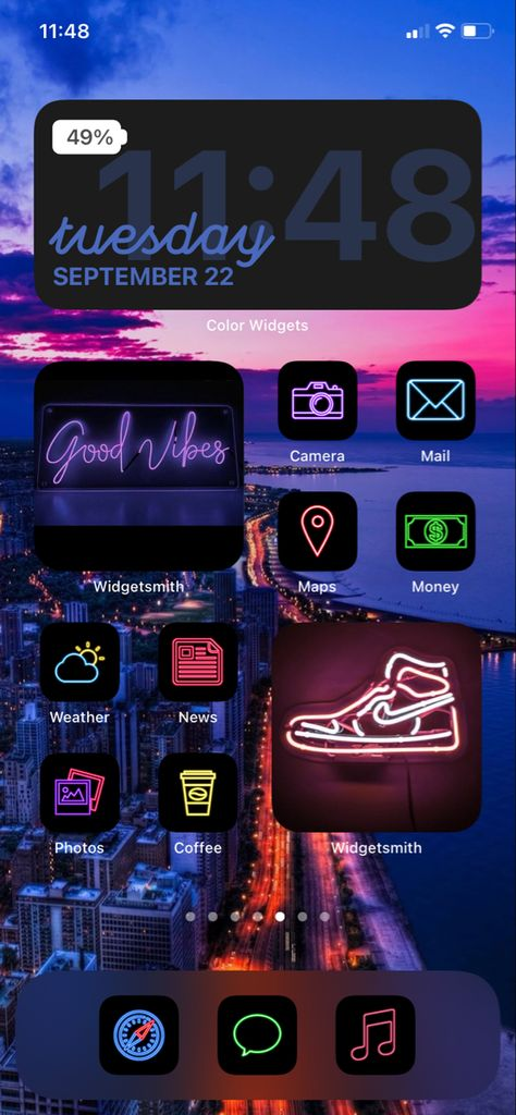 Iphone Home Screen Layout, Iphone App Layout, App Icon Design, Ios Design, Iphone Wallpaper Vsco, Aesthetic Iphone Wallpaper, Weather News, Neon Aesthetic, Organize Phone Apps